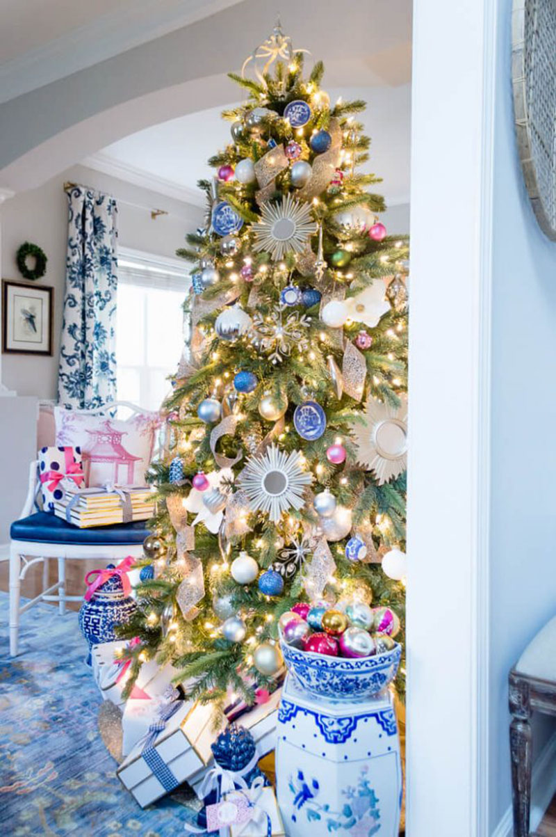 DIY Christmas Ornaments - Classic Tree inspiration - 10 | www.thehomeicreate.com