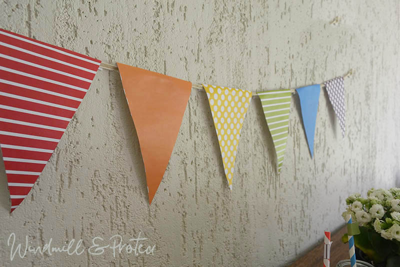 Rainbow and Balloons Birthday Party - Flag bunting | www.windmillprotea.com