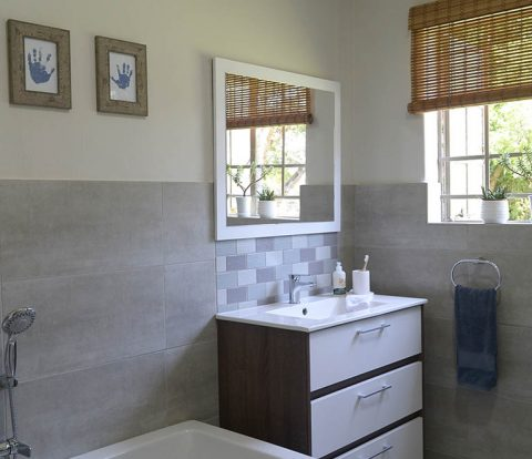 Family Bathroom Remodel Reveal | www.windmillprotea.com