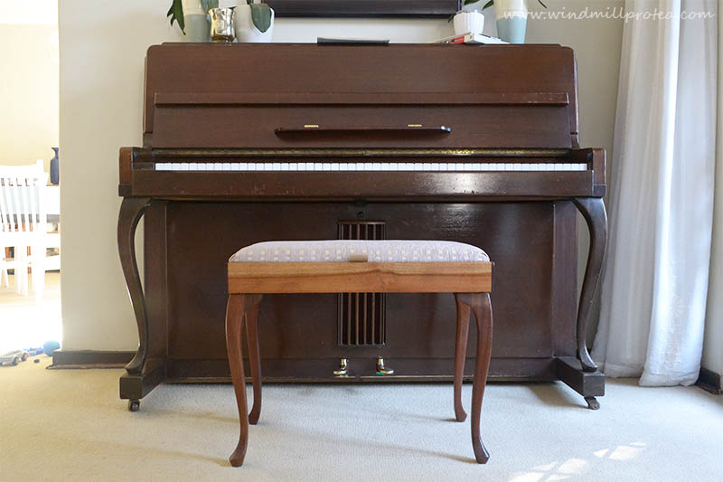 Piano stool fixed - piano still needs love | www.windmillprotea.com