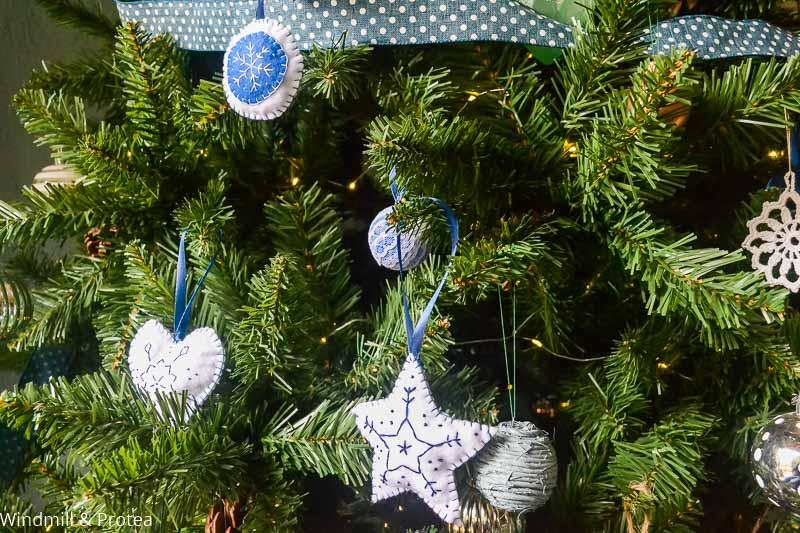 Felt Christmas Ornaments on Tree | www.windmillprotea.com