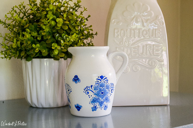 DIY Blue and White Porcelain Jug | www.windmillprotea.com