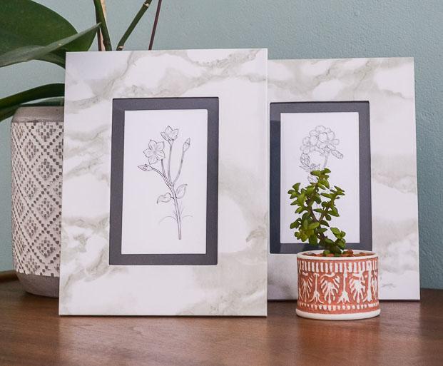 DIY Marble Look Frames | www.windmillprotea.com | www.windmillprotea.com