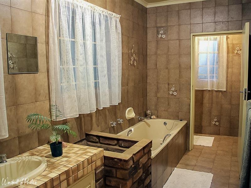 Master Bathroom Before | www.windmillprotea.com