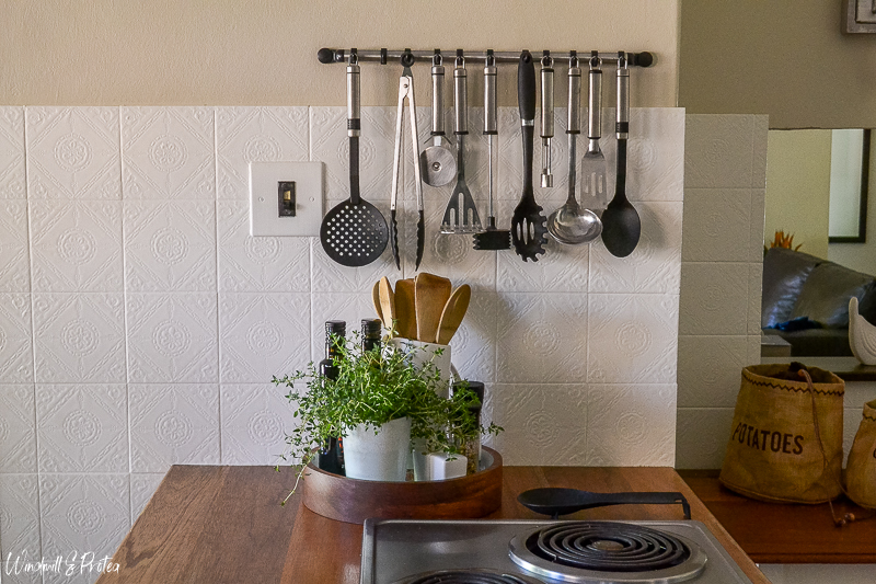Easy to make DIY Kitchen Tray | www.windmillprotea.com