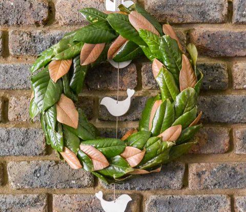 DIY Magnolia Wreath | www.windmillprotea.com