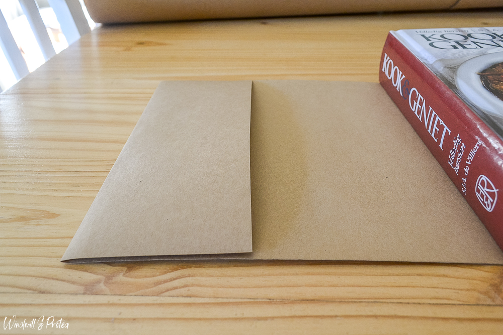 DIY Book Covers -sharp fold in front | www.windmillprotea.com