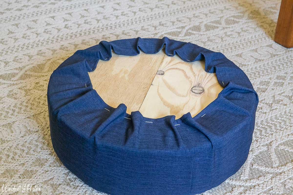DIY Round Stool | windmillprotea.com
