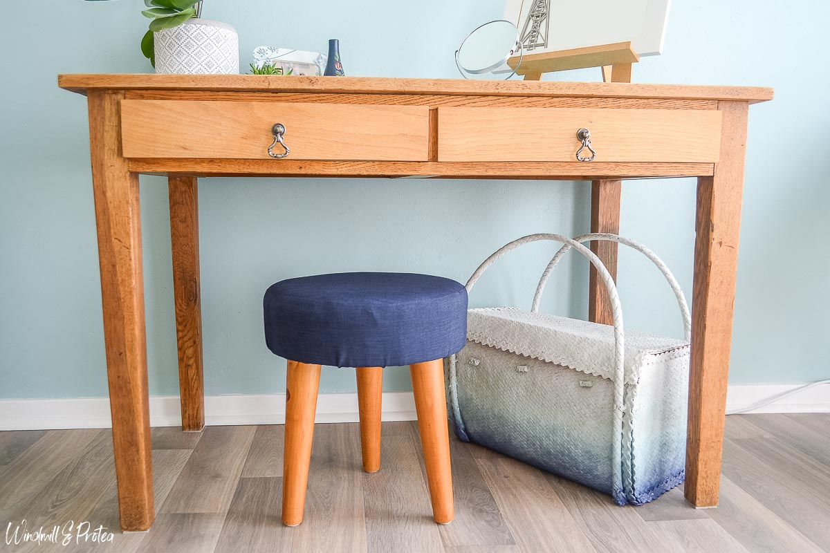 Diy Round Stool How To Make A Small Vanity Stool Windmill Protea