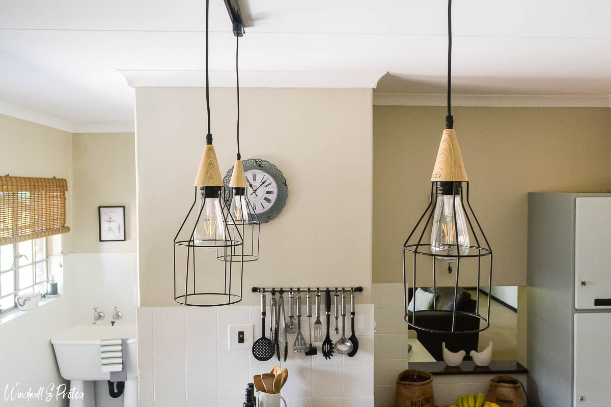 Kitchen DIY Track Light | www.windmillprotea.com