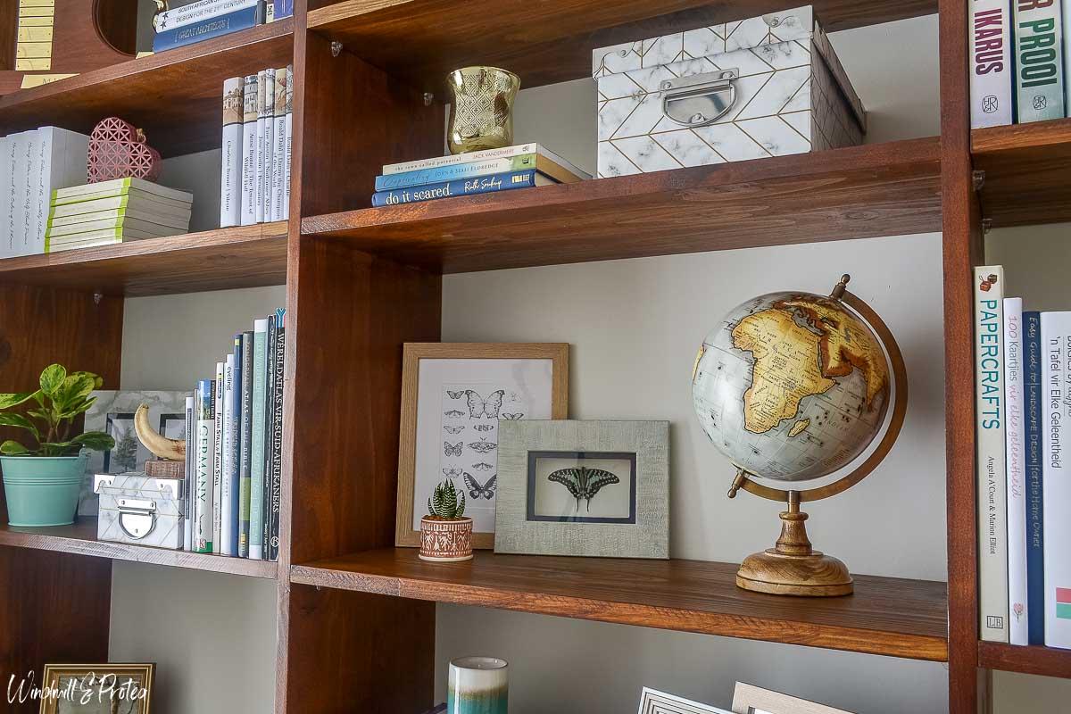 Home Office Bookshelf Styling | www.windmillprotea.com