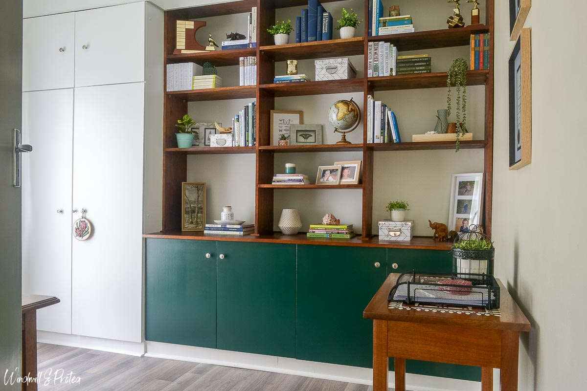 DIY Built-in Shelving for the home office   www.windmillprotea.com