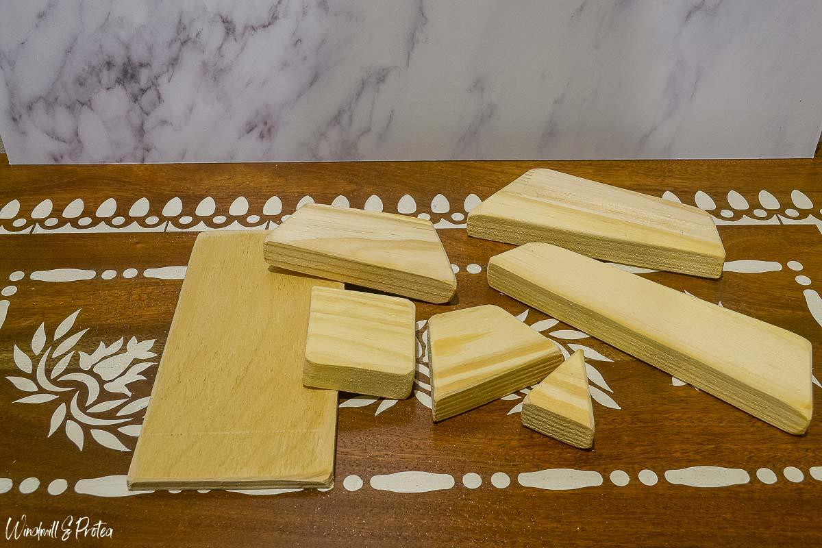 DIY Wood Tabletop Christmas Tree - Before | www.windmillprotea.com