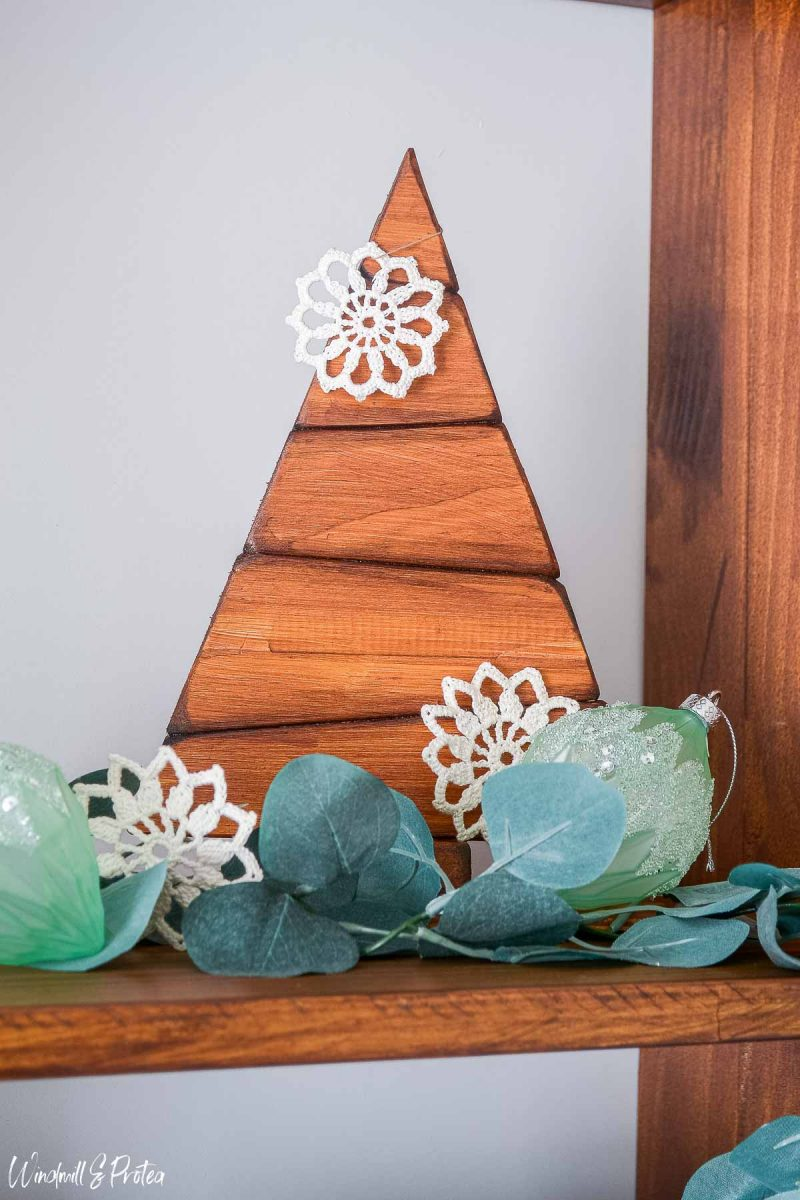 DIY Wood Tabletop Christmas Tree - After | www.windmillprotea.com