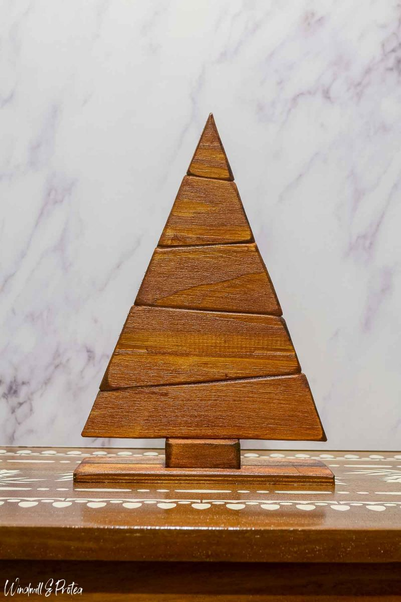 DIY Wood Tabletop Christmas Tree - Stained | www.windmillprotea.com
