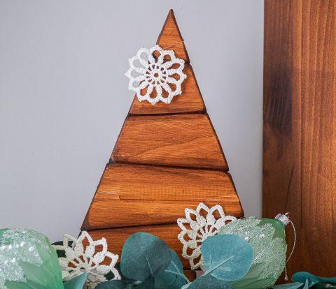 DIY Wood Tabletop Christmas Tree | www.windmillprotea.com