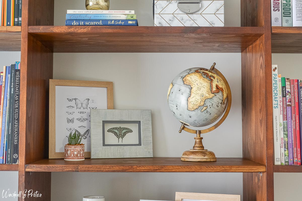 Some Shelves without books | www.windmillprotea.com